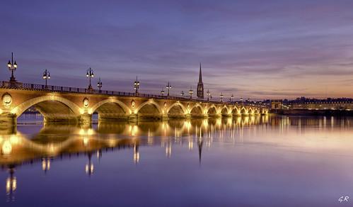 Pont de Pierre au crépuscule, Bordeaux.