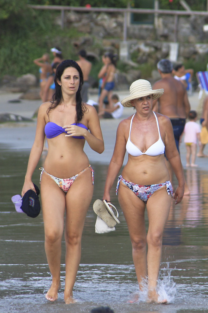 Think, Candid women in bikinis