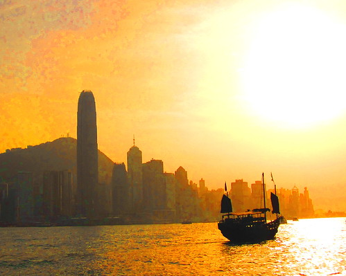 china sunset sun sunrise hongkong boat junk chinese sunsets sunrises victoriaharbour victoriaharbor chinesejunkboat mywinners diamondclassphotographer theunforgettablepictures theperfectphotographer goldstaraward rubyphotographer goldenheartaward