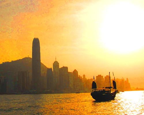 china sunset sun sunrise hongkong boat junk chinese sunsets sunrises victoriaharbour victoriaharbor chinesejunkboat mywinners diamondclassphotographer theunforgettablepictures theperfectphotographer goldstaraward rubyphotographer goldenheartaward