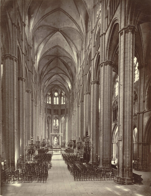 Bourges Cathedral. Nave (Interior)