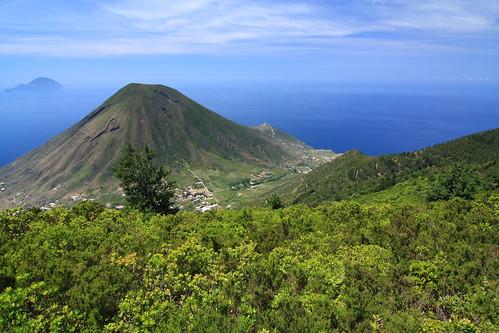 Il Monte dei Porri, visto dal Monte Fossa delle Felci, Isola di Salina