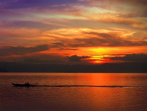 ocean sunset sea sky sun shells reflection water stone clouds coast sand marine waterfront horizon philippines salt shoreline atmosphere shore cebu coastline sugbo rays strait visayas saltwater stratosphere negros marinelife curvature earthscience cpg wowphilippines centralvisayas region7 93millionmiles garbongbisaya
