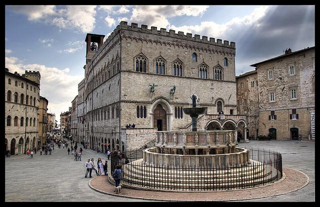 Perugia piazza iv novembre flickr photo sharing for Arredare milano piazza iv novembre