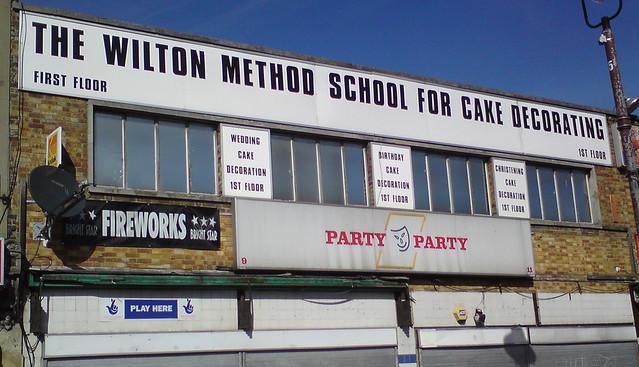 The Wilton Method Basic Cake Decorating Course Thrift Books