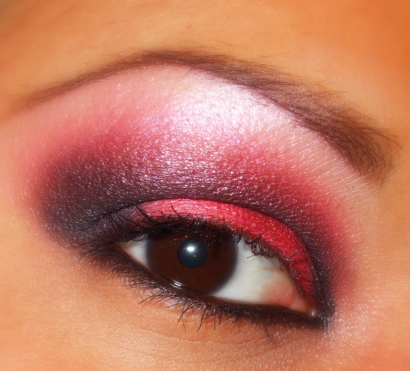 Red & Black eyeshadow