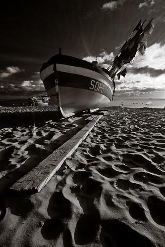 autumn sea bw beach water monochrome sunrise landscape boats wide poland 1022mm sopot 40d