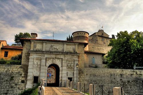 Il castello di brescia for Interno b 197 orari