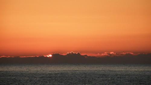 sunrise geotagged 初日の出 nebukawa 神奈川県 kanagawaprefecture 根府川 geo:lat=35202577 geo:lon=13914058
