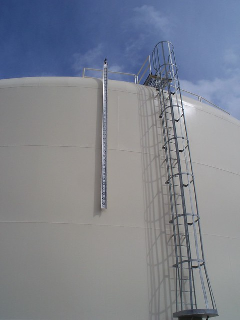 Gauge To Mm >> water tank ladder and gauge | Flickr - Photo Sharing!