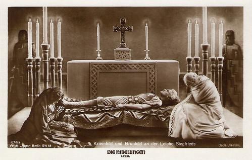 Die Nibelungen I: Kriemhild und Brunhild an der Leiche Siegfrieds