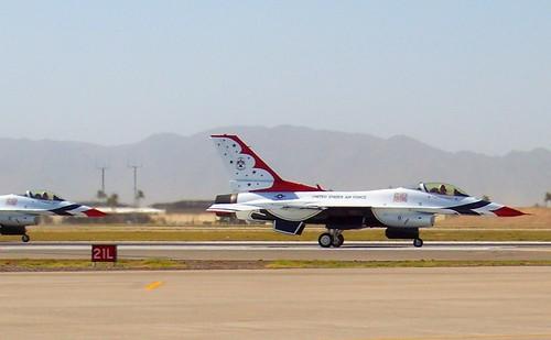 Lockheed Martin F-16C Fighting Falcon Thunderbirds #6