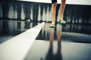 lomo - puddles and green flippyflops