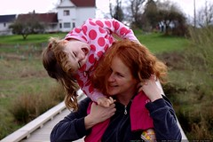 its fun to blind mom with her own hair!    MG 1373