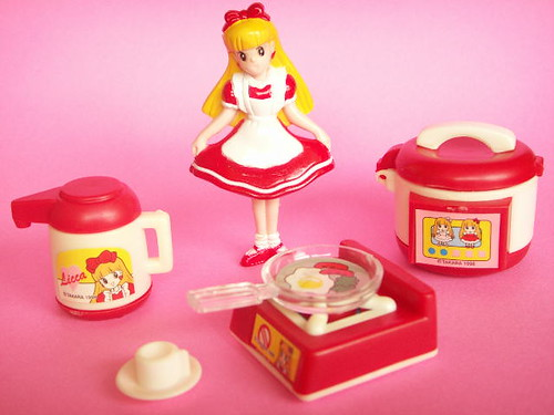 Kawaii Japanese Licca Doll Miniature Plastic Toy Kitchen Set TAKARA Japan Cute Girly Red