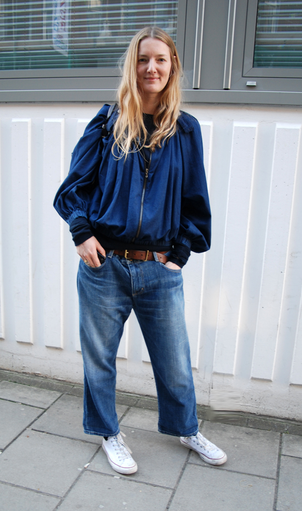 The style scout london street fashion casual coolness goes baggy Girl fashion style london