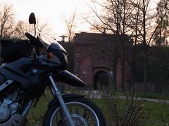 kleine BMW vor dem Weißenburger Tor von tuxbrother auf Flickr