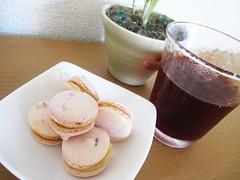 chopped strawberry macaron parisien