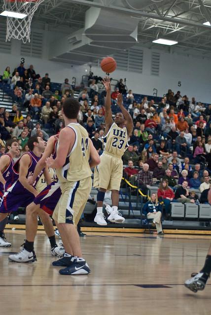 UIS Men's Basketball vs. McKendree 2-28-09 | Flickr ...