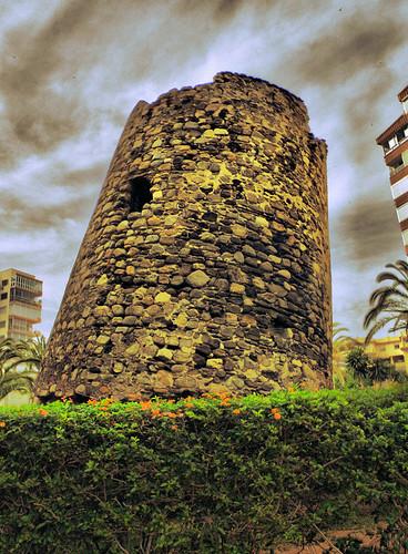 Torre Ladeada de Algarrobo