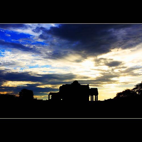 trip blue sunset vacation sky heritage sunrise canon landscape eos cambodia unesco explore monday wat silhoutette siemreab explorefrontpage 40d angcor jannapham