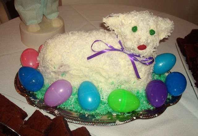 Easter Lamb Cake | An Easter lamb cake with coconut wool and ...