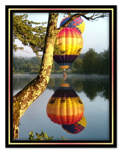 reflection sunrise river hotairballoon skimming pittsfieldrotaryhotairballoonfest