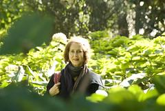 Dolores Etchecopar - fotos en el jardín del Museo Larreta