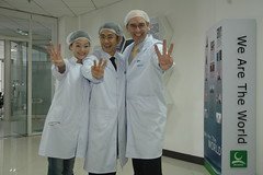 McMaster Institute: 3 out of 3 Scientists Agree - Using Three Fingers Improves Your Life_0267