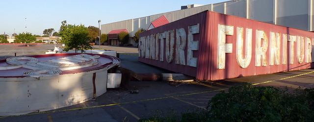 Levitz Furniture Sign Taken Down In Huntington Beach Ca Flickr Photo Sharing