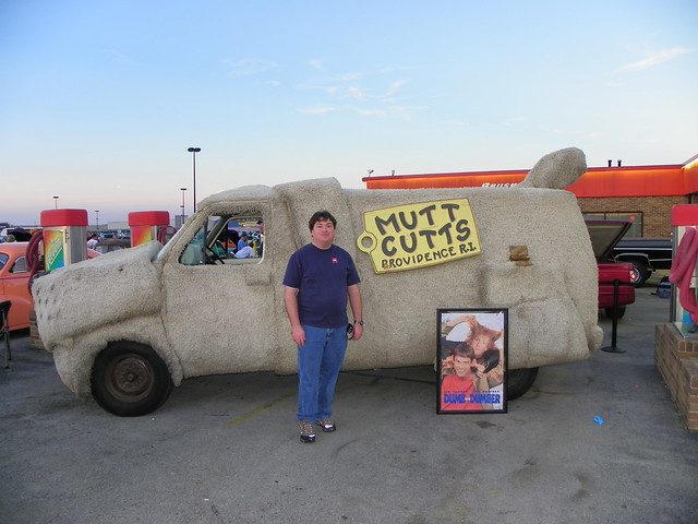 Mutts Cutts van from the movie Dumb & Dumber