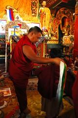 HE Asanga Sakya Rinpoche preparing for the mandala offering, Tharlam Monastery