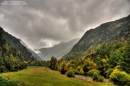 autumn storm verde green rain canon eos lluvia cloudy tripod tormenta otoño nublado andorra verd tardor pluja 1786 valira llorts 40d