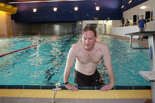 Citaten Van Bekende Sporters : Sporters zwemmen voor rolstoelbasketters gent het