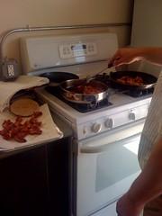 art(1.0), kitchen(1.0), countertop(1.0), room(1.0), kitchen stove(1.0),