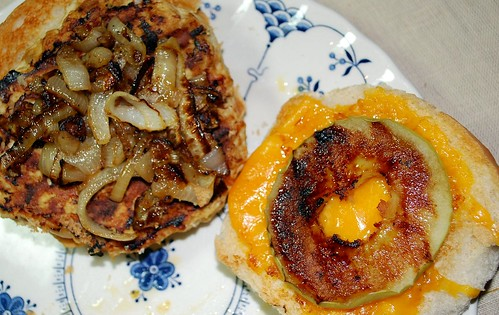 Apple-Cheddar Turkey Burgers 3