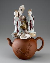 art(1.0), figurine(1.0), ceramic(1.0), teapot(1.0), porcelain(1.0), toy(1.0),