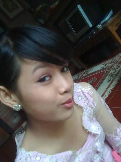 hate kebaya bali, but kebaya bali makes me beautyful