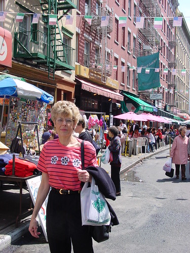NYC - Little Italy, street vendors