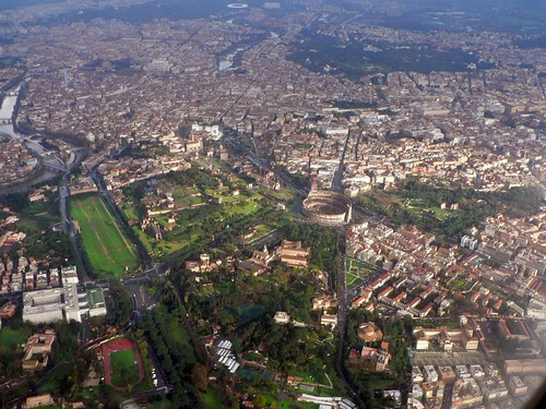 Rome - Central Archaeological Area -  A Series of Bird's Eye-Views: Capitoline hill, Imperial Fora, Roman Forum, Palatine Hill, Colloseum Valley & Oppian Hill (18.01.2009). Copyright: Jim Powers (2009) & Dr. Oliver-Bonjoch (07.10.2008).