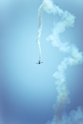 OC needs to put titles in the flickr account - OC Airshow- Extra 300S