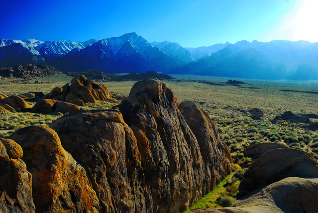 Alabama Hills in the Late Afternoon - Flickr CC JohnLemieux