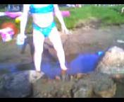 Maria leiker og bader i Sognsvatn