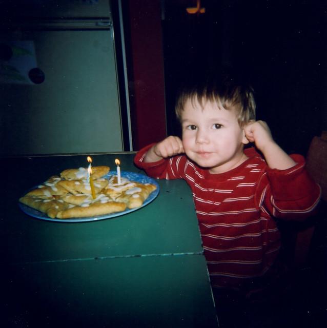 Holga et le faux gâteau d'anniversaire