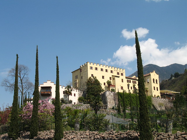 Schloss Trautmannsdorff inmitten des einzigartigen Gartens auf der Sonnenseite der Alpen