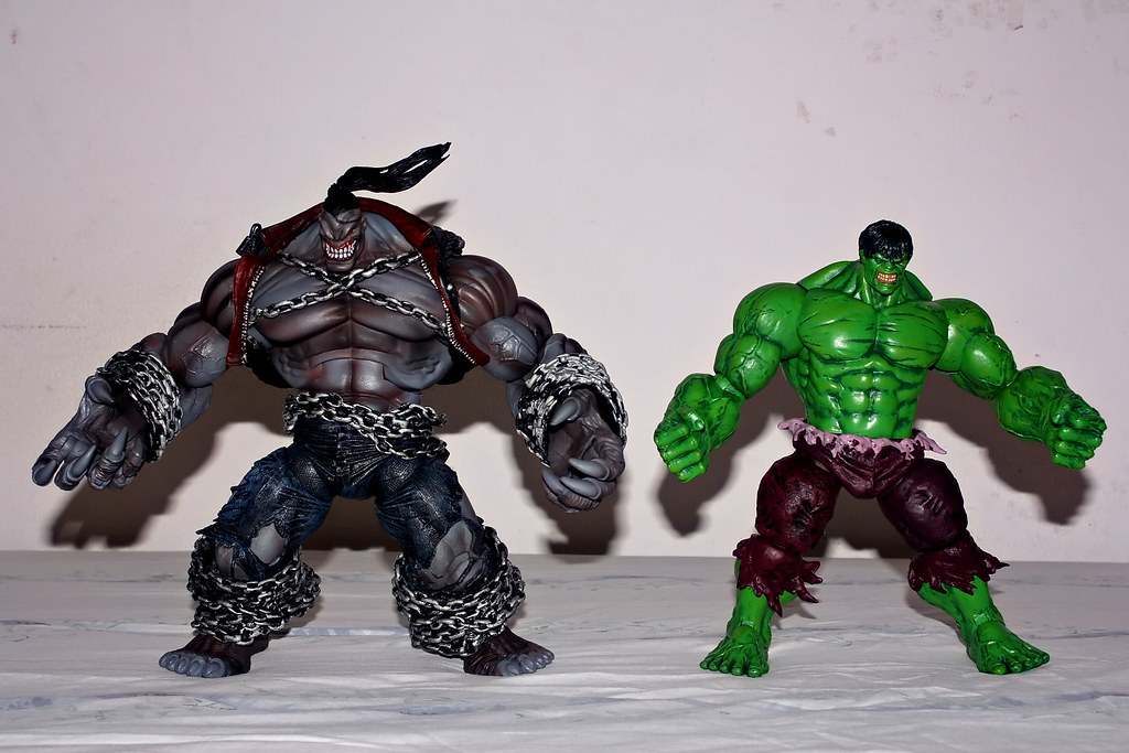 The Pitt and Marvel Select Hulk Size Comparison 3 - a photo on ...