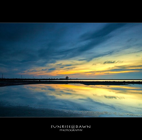 blue sunset red seascape reflection green silhouette yellow canon landscape amber sundown dusk taiwan wideangle lagoon 台南縣 tainan 台灣 台南 七股 eternal 剪影 黃色 潟湖 藍色 影像 佳能 倒影 chigu 台南市 觀海樓 colortones 府城 廣角 色溫 福爾摩沙 cigu colorphotoaward 永恆 taiwanlandscape sunrisedawn 台灣風景 寶島 flickrlovers saariysqualitypictures 台灣攝影家 風傳影像 風傳 gettyimagestaiwanq1 gettyimagestaiwanq2 gettyimagestaiwan12q3 gettytaiwan12q4 gettytaiwan13q1 gettytaiwan13q2 gettytaiwan13q3 taiwanseascape gettytaiwan14q1 台灣風景攝影家 台灣海景