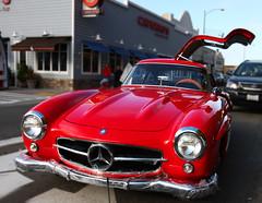 race car(1.0), automobile(1.0), vehicle(1.0), performance car(1.0), automotive design(1.0), mercedes-benz(1.0), mercedes-benz 190sl(1.0), mercedes-benz 300sl(1.0), compact car(1.0), antique car(1.0), land vehicle(1.0), sports car(1.0),