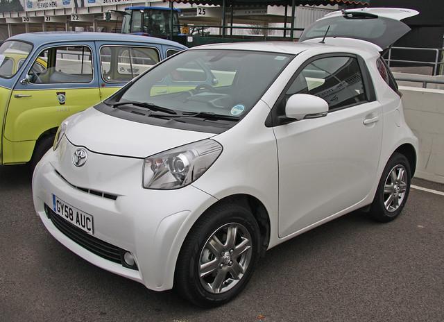 iQ (Mk1) - Toyota