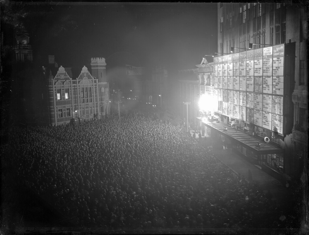 Crowd checking the 1931 general election results, Willis Street, Wellington, 1931